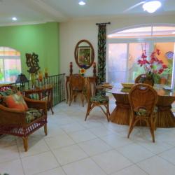 Tropical Sweet Home